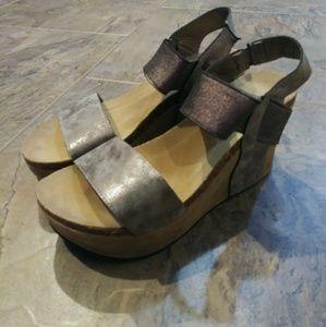 Pierre Dumas Womens Pewter Sandal